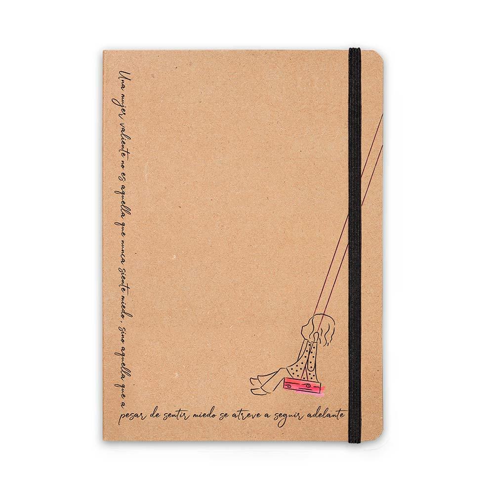 Taza + cuaderno mujer Ayuda en Acción