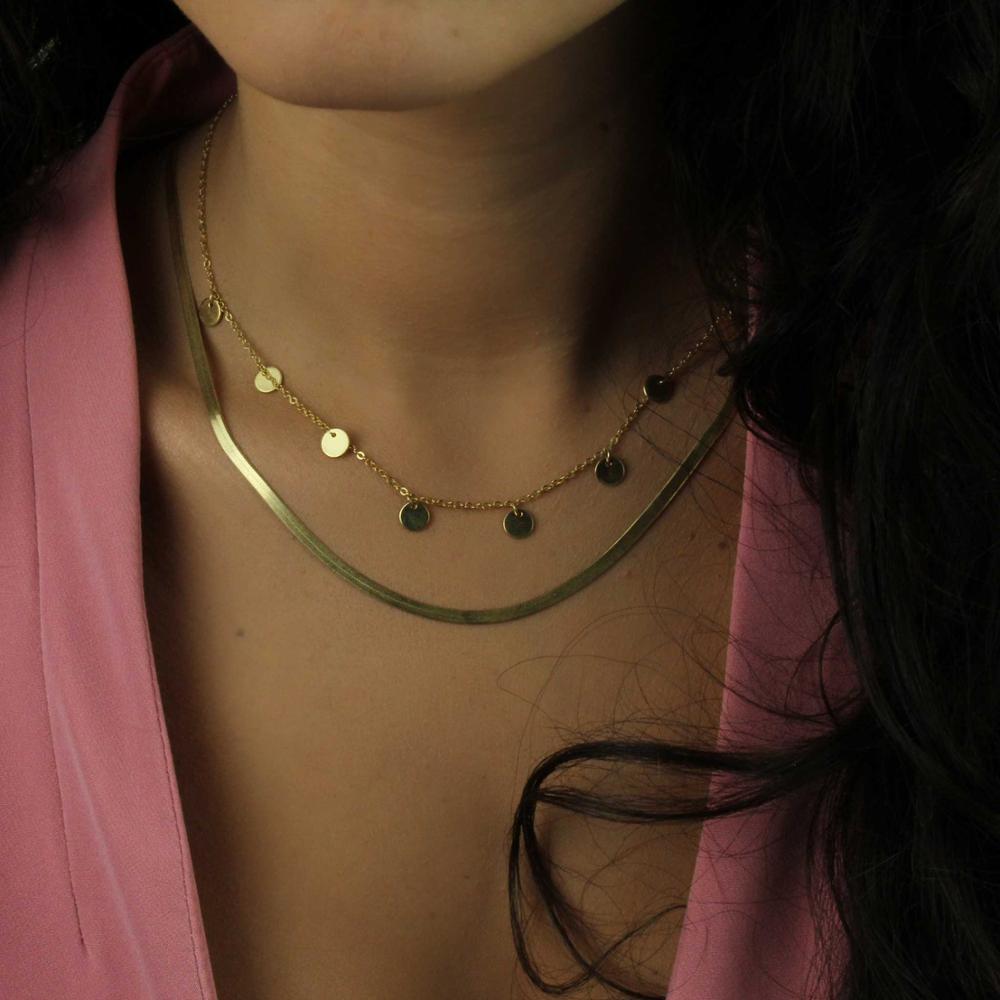 Gargantilla Esmeralda fabricada en plata y con baño de oro.