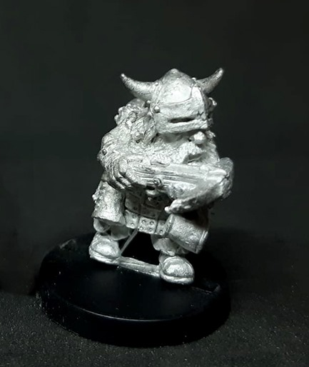 Dwarf shooter with crossbow