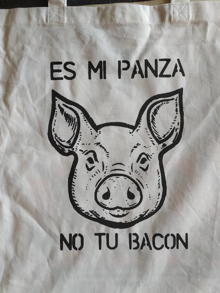 Es mi panza, no tu bacon.